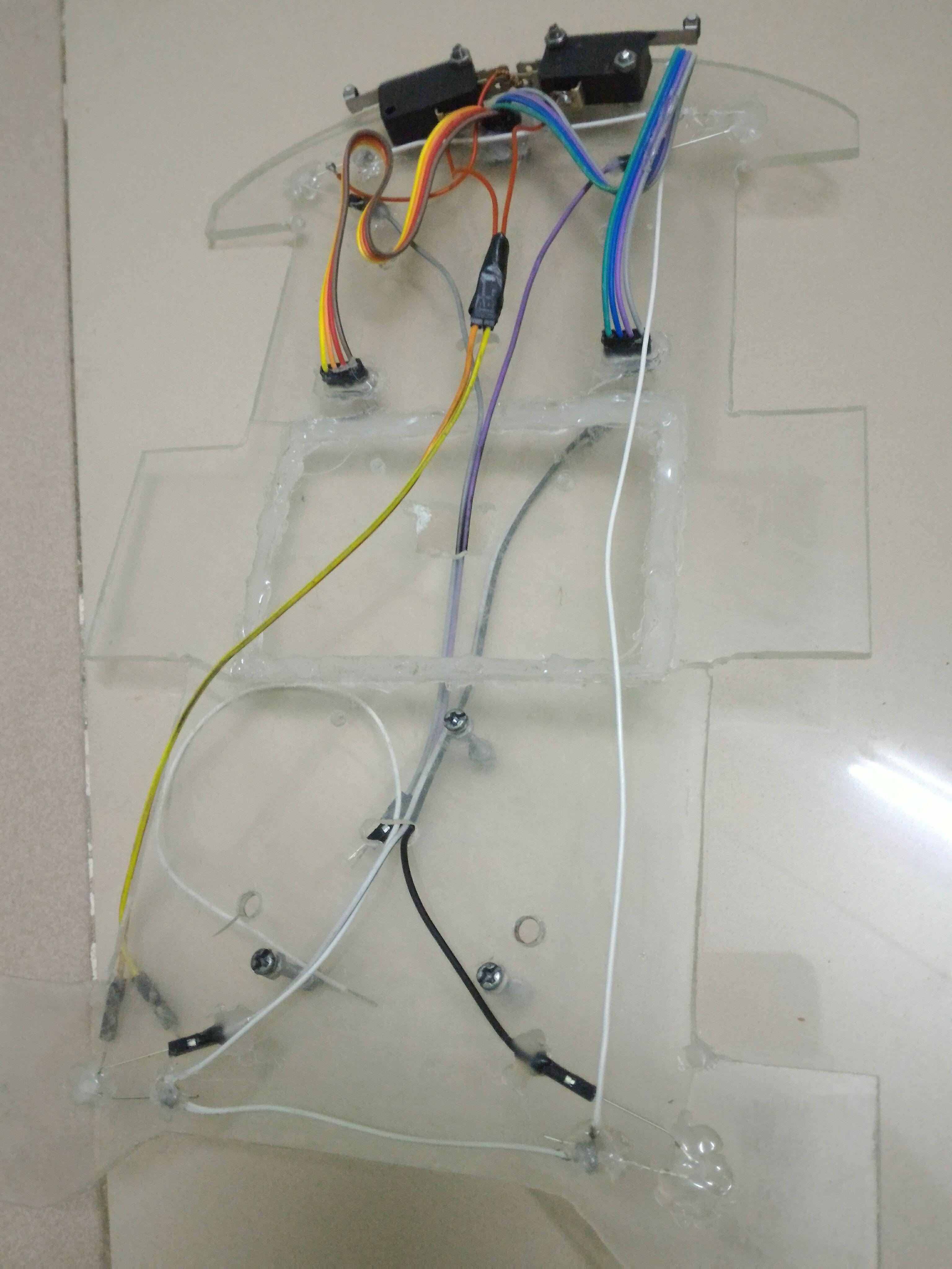 Các loại  dây: đèn LED, HC06, SRF04, công tắc hành trình